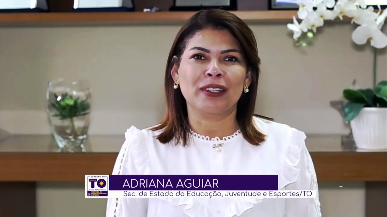 Adriana Aguiar destaca a importância do professor na transformação da sociedade