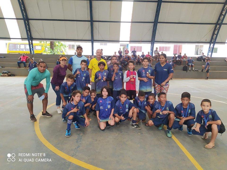 Projeto Aprender e Crescer: Com apoio da prefeitura, estudantes de Lajeado participam de torneio de futebol
