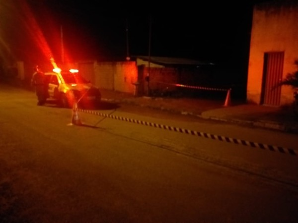 Suspeito de matar jovem a tiros na porta de casa é preso em Araguaçu