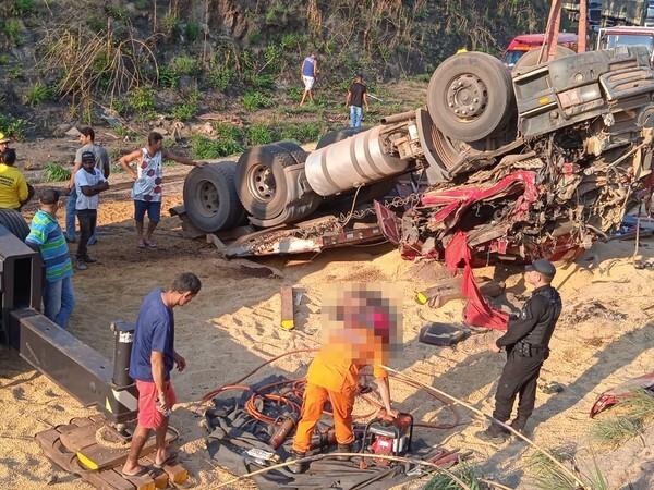 Bombeiros são chamados para ocorrência com vítima fatal na TO-040 e se envolvem em outro acidente